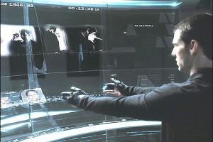 Tom Cruise interage com um sistema por meio dos gestos em Minority Report.